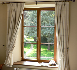 Difference Between Drapes And Curtains Difference Between - Curtains and drapes