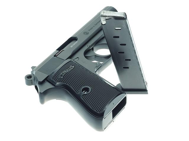 pistol-946397_640