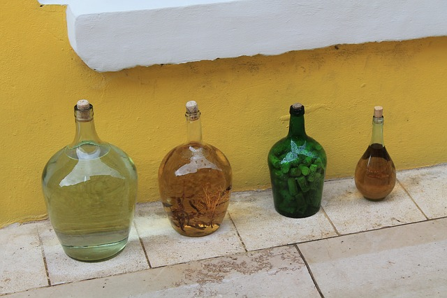 bottles-287722_640