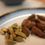 Difference Between Black and Green Cardamom