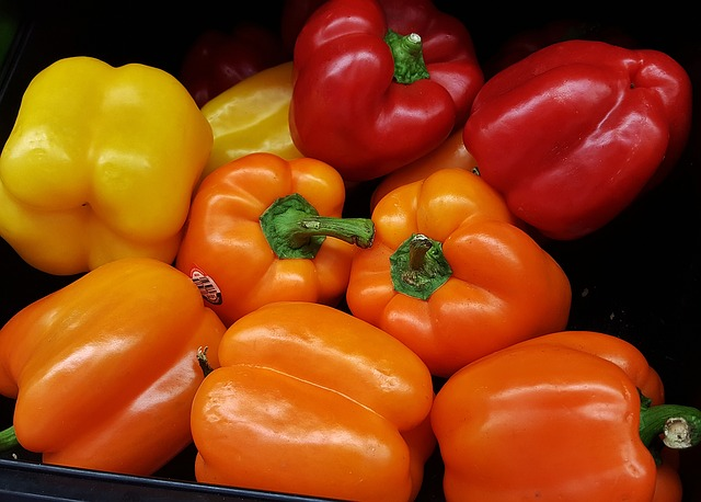 bell-peppers-1420709_640