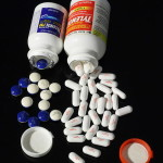Difference between tylenol (paracetamol) and aspirin
