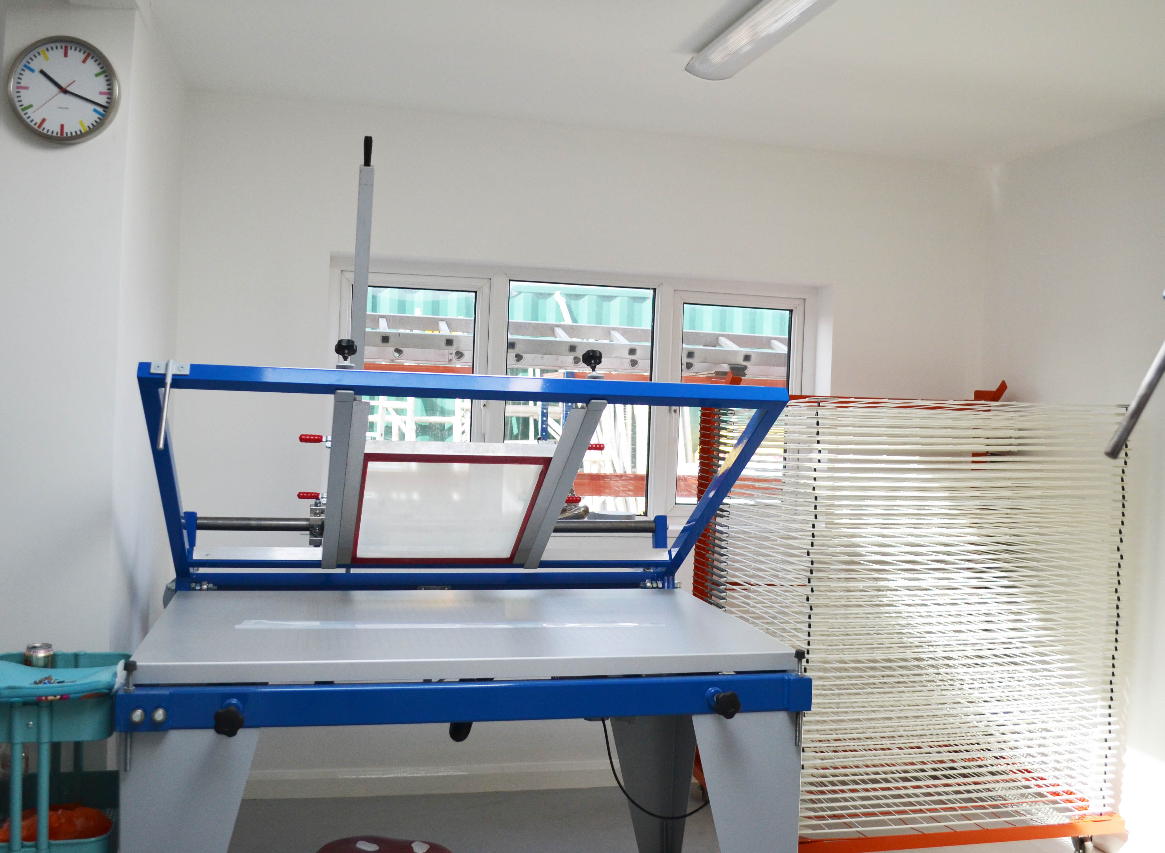Screen_print_hand_bench_proffesional_print_bench_in_Squeegee_&_Ink_studio