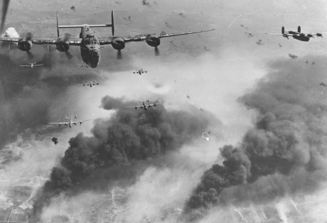 640px-B-24D's_fly_over_Polesti_during_World_War_II