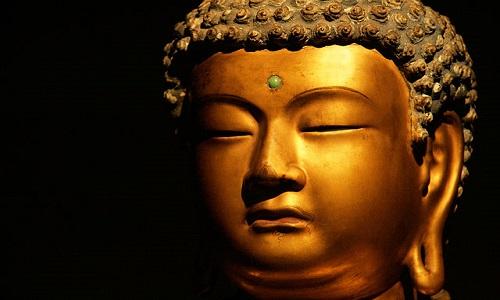 640px-WLANL_-_mwibawa_-_Gouden_Buddha_(1)