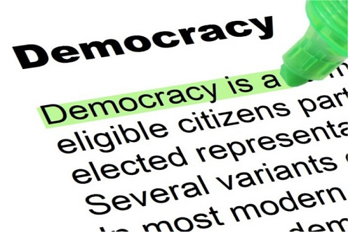 differences between democracy and absolutism Monarchy and democracy: a comparison erik von kuehnelt-leddihn  it seems to be a proven fact that there is a noticeable difference in the iqs of different social classes, and heredity rather than environment here plays the determining role [11]  to make the antagonism between their church and democracy disappear by a clever legerdemain.