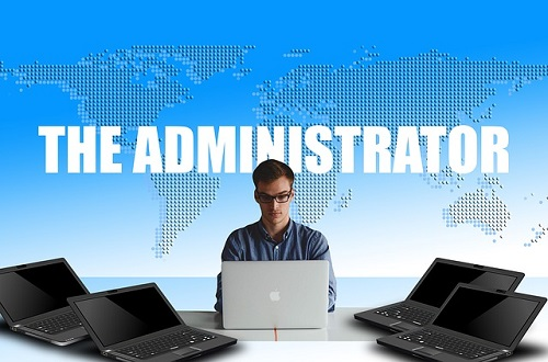 Difference Between Manager and Administrator-1