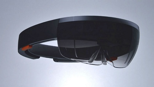 Difference between Google Glass and Microsoft HoloLens-1