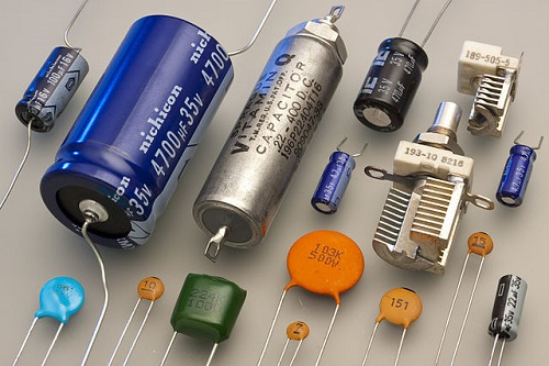 Difference between Capacitors and Inductors