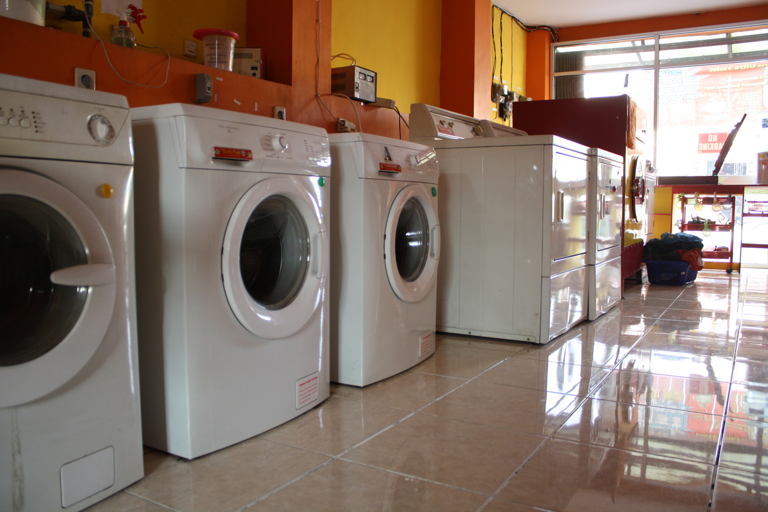 Difference Between Laundry and Dry Cleaning