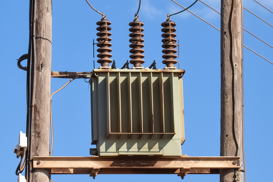 Difference Between Power Transformer and Distribution Transformer.
