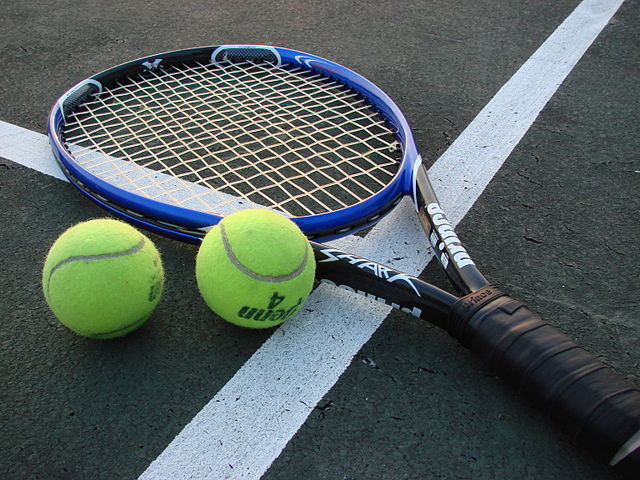 Differences Between Tennis and Badminton