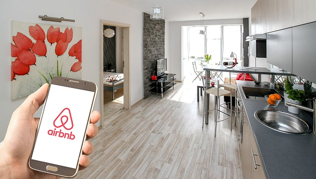 Difference Between Airbnb and VRBO