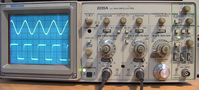 Difference Between Oscilloscope and Logic Analyzer