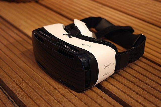 Difference between Oculus Rift and Gear VR