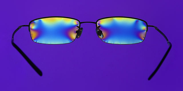 Difference Between Polarized and Non-Polarized Lens