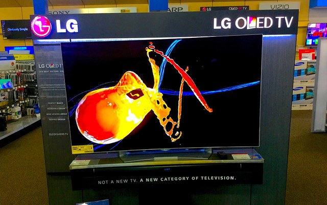Difference Between OLED and QLED