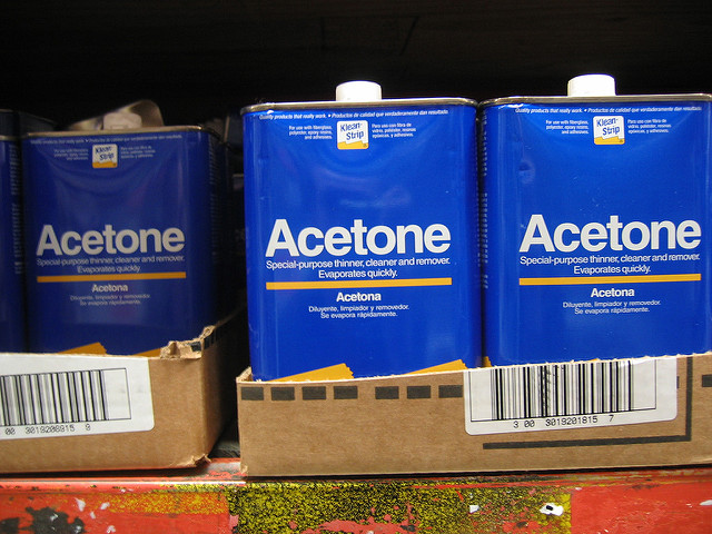 Difference Between Acetone and Bleach | Difference Between