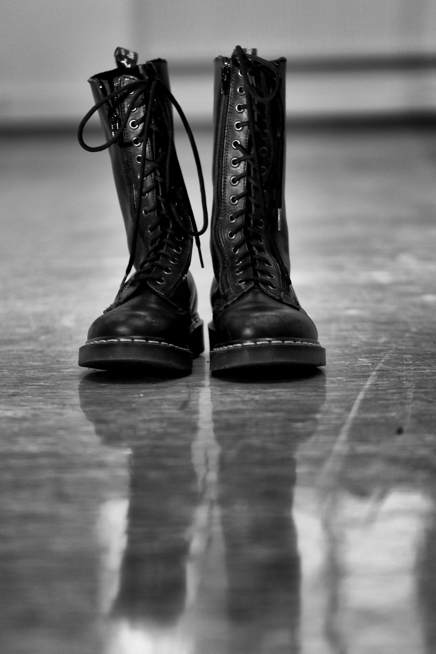 Difference Between Dielectric Boots and Overshoes