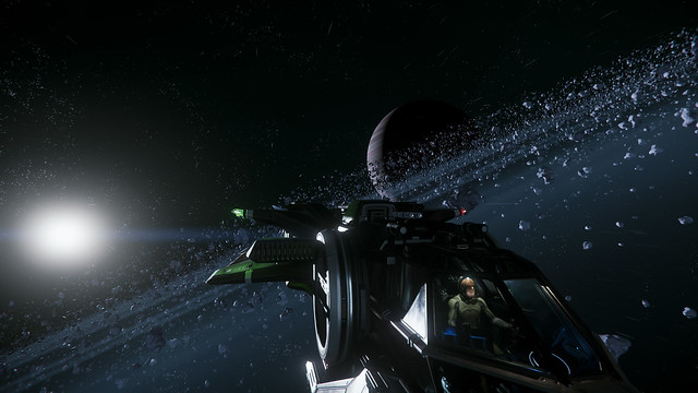 Difference between Elite Dangerous and Star Citizen