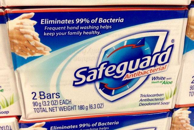 Difference Between Antibacterial and Antimicrobial