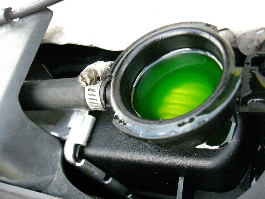 Difference Between Green Antifreeze and Orange Antifreeze