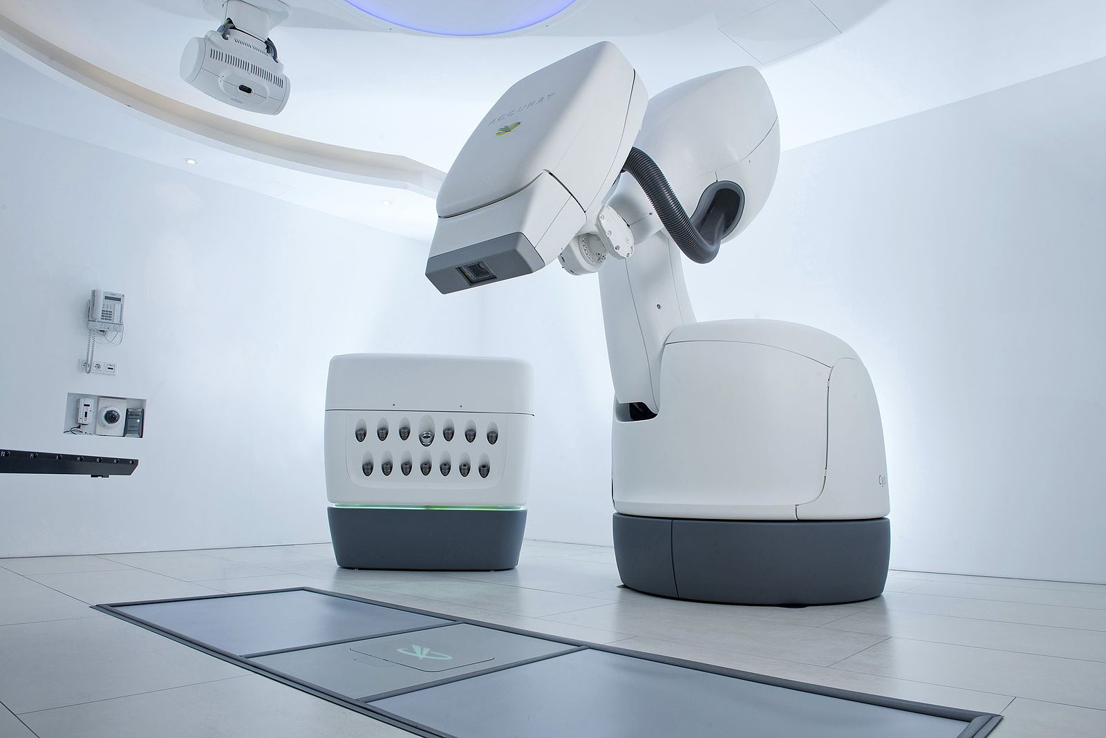 Difference Between Gamma Knife and CyberKnife