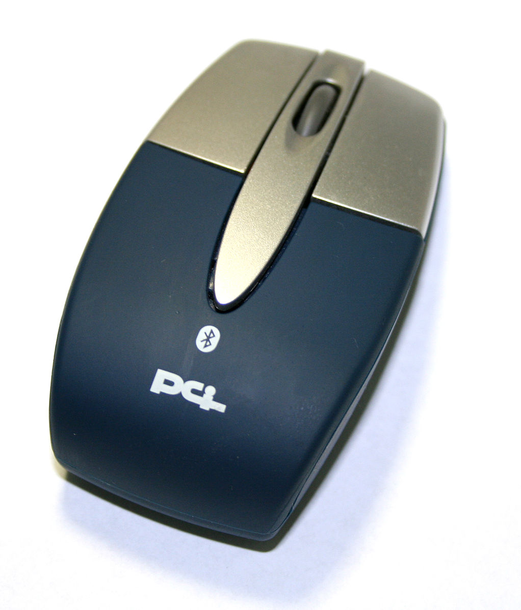 Difference Between USB and Bluetooth Mouse