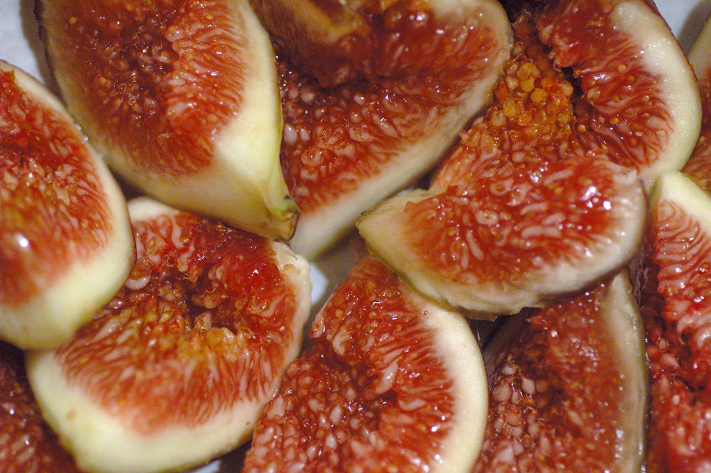 Difference Between Figs and Dates
