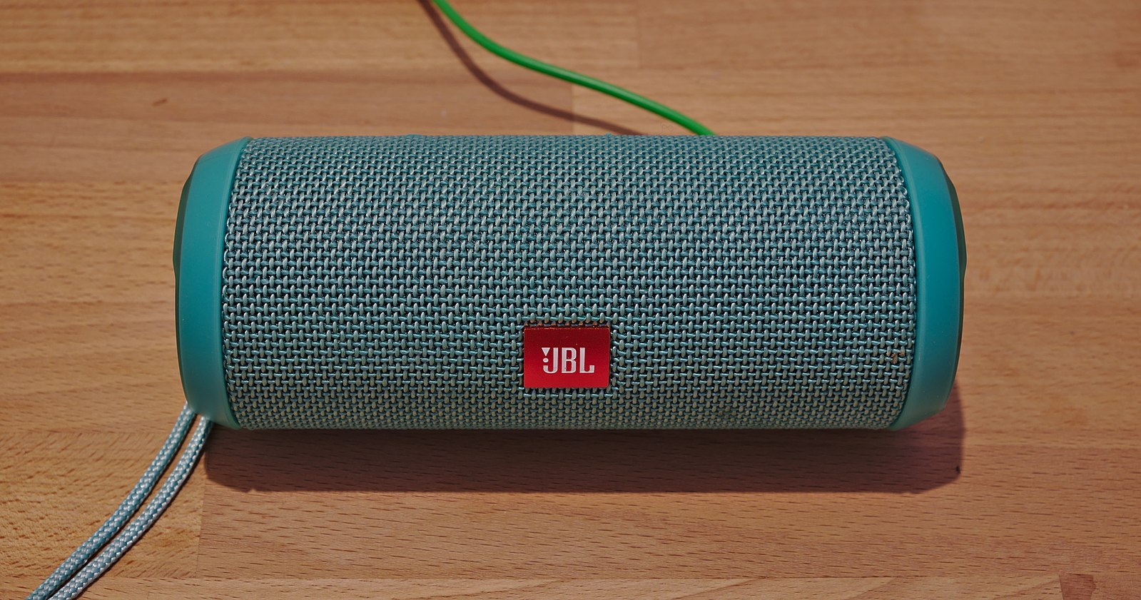 Difference Between USB and Bluetooth Speaker