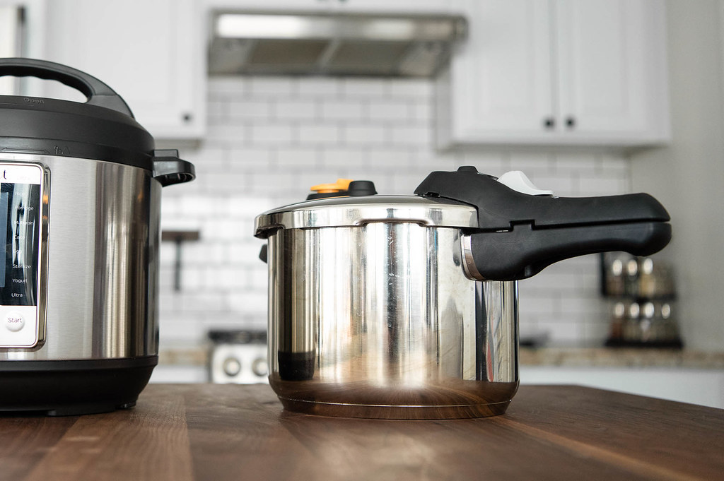 Difference Between Autoclave and Pressure Cooker