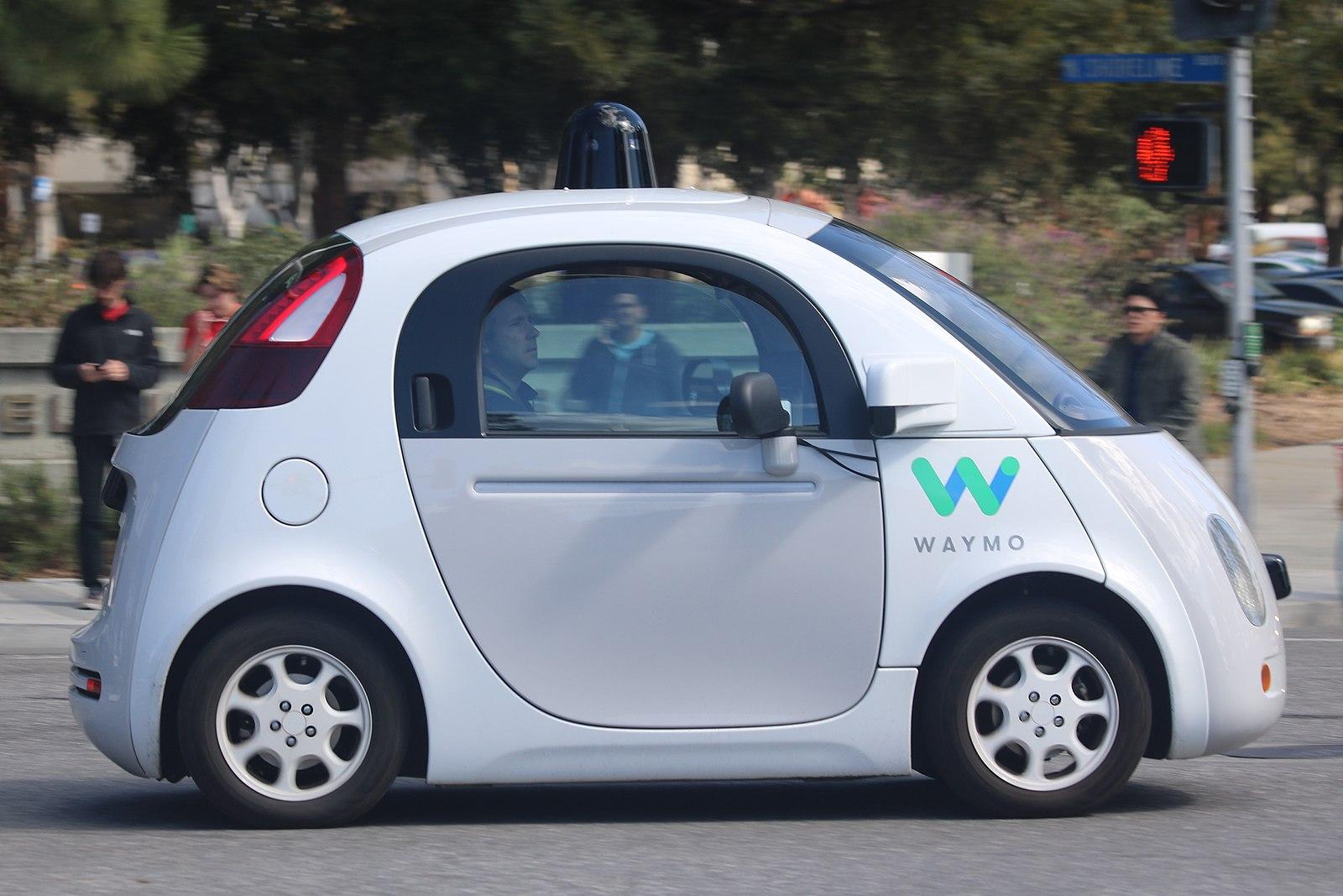 Difference Between Waymo and Tesla