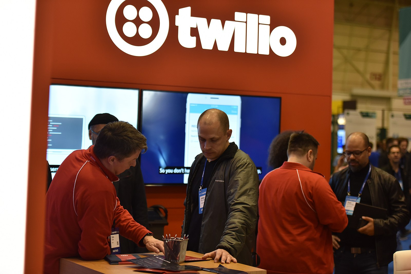 Difference Between Bandwidth and Twilio