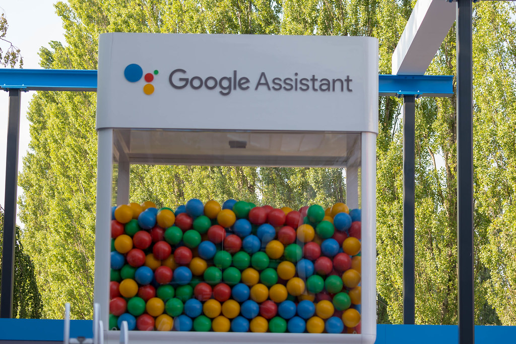Difference Between Google Assistant and Bixby