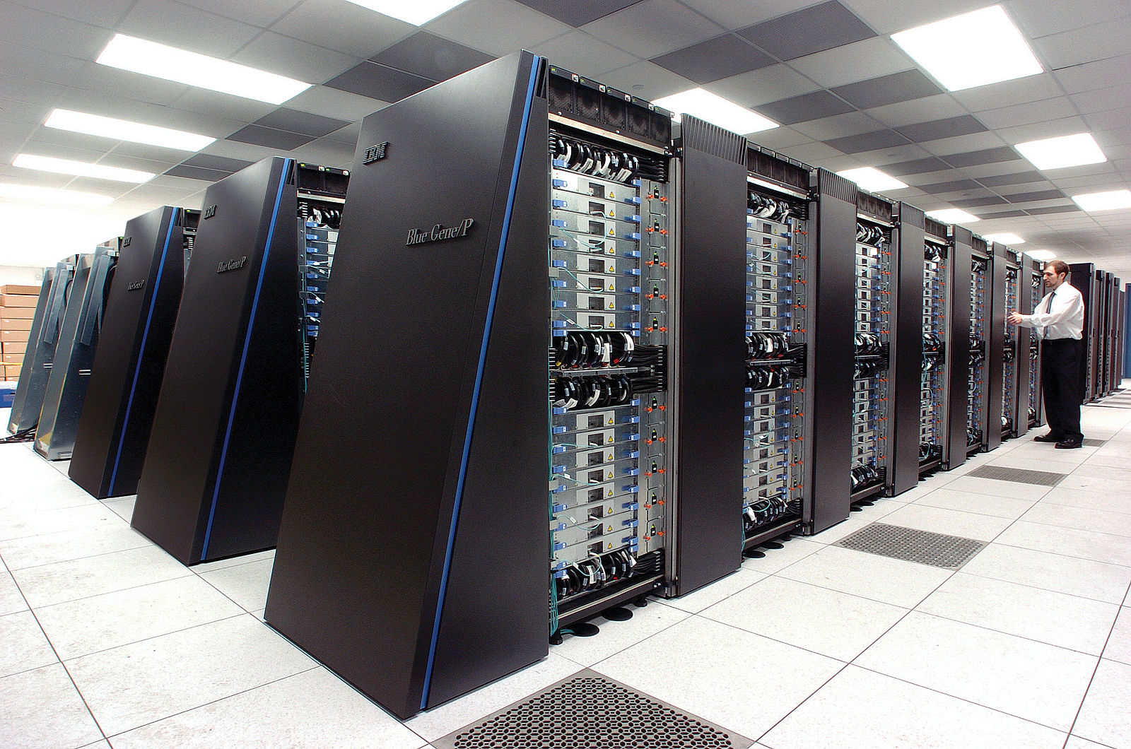 Difference Between Supercomputing and Quantum Computing