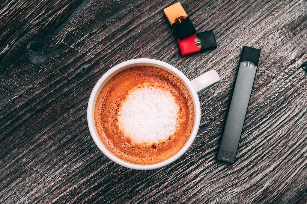 Difference Between Vaping and Juuling