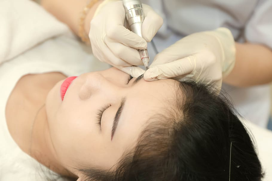 Difference between HydraFacial and Microdermabrasion