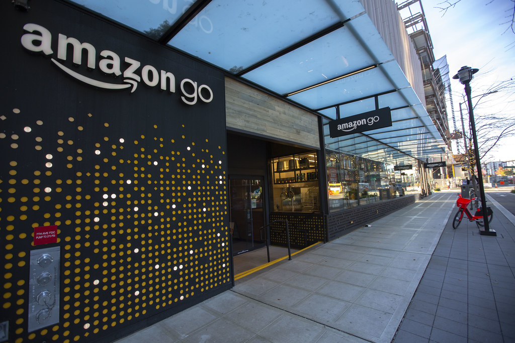 Difference Between Amazon Go and Walmart