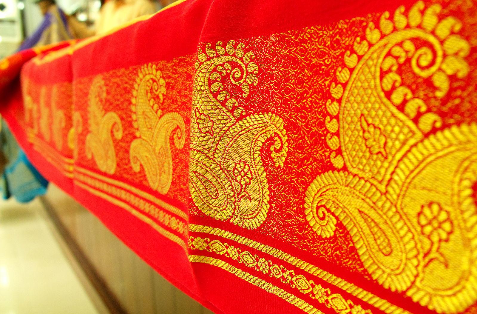 Difference Between Mysore Silk and Kanchipuram Silk