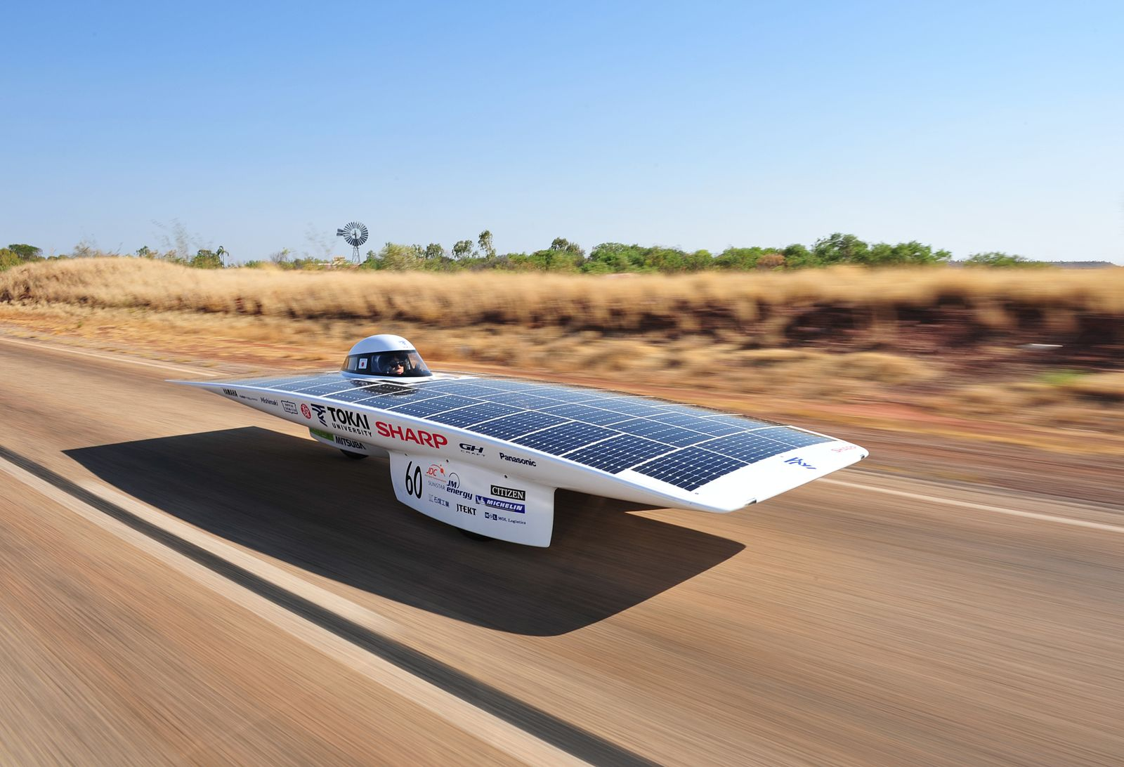 Difference Between Solar Car and Electric Car