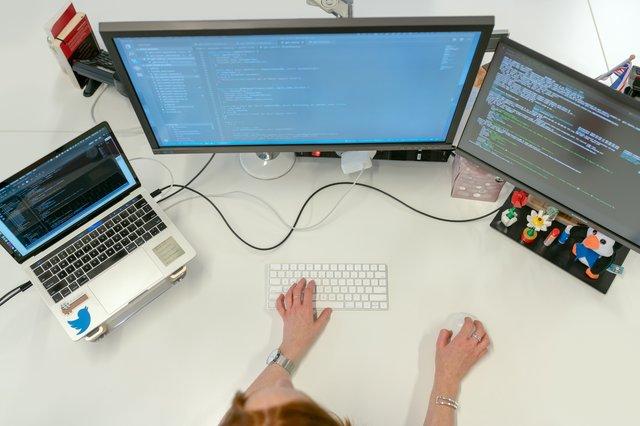 Difference Between DevOps Engineer and Software Engineer