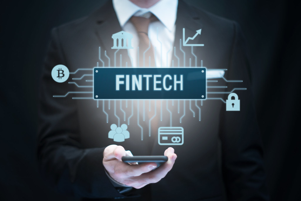 Difference Between Fintech and AI