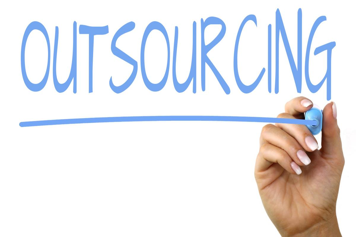 Difference Between Crowdsourcing and Outsourcing.