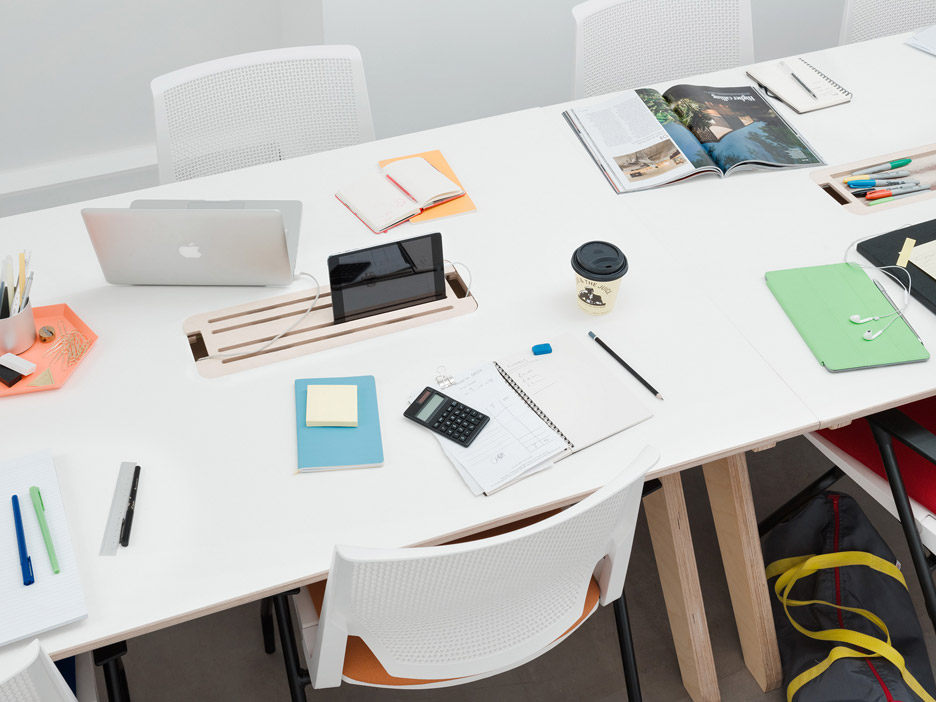 Difference Between Hot Desking and Hotelling