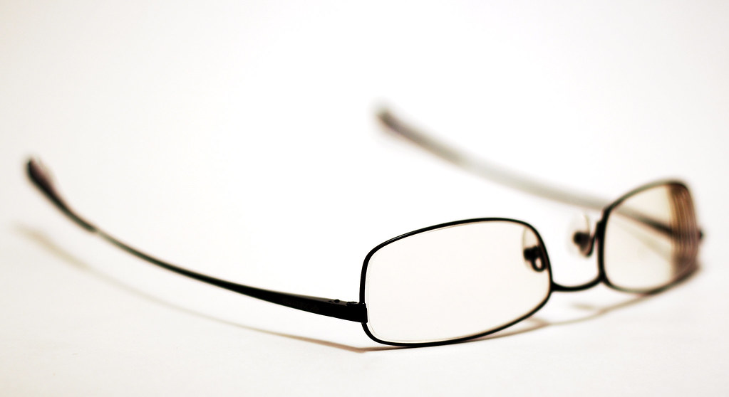 Difference Between Bifocal Lenses and Progressive Lenses