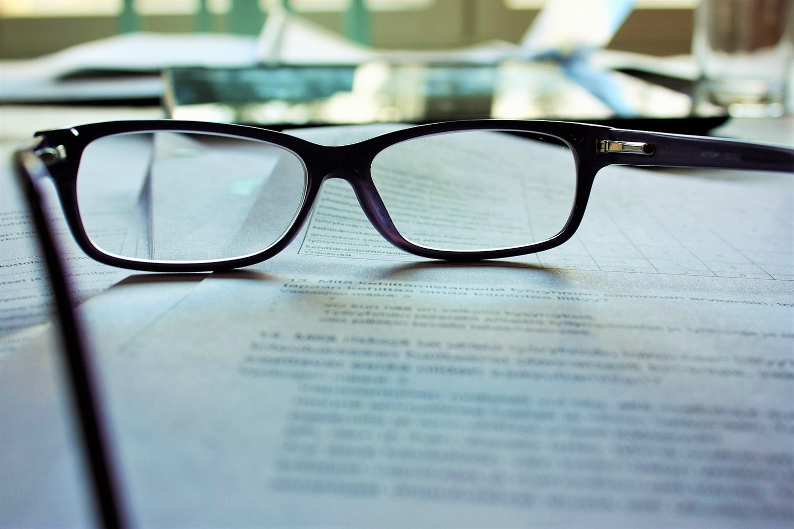Difference Between Bifocal and Reading Glasses