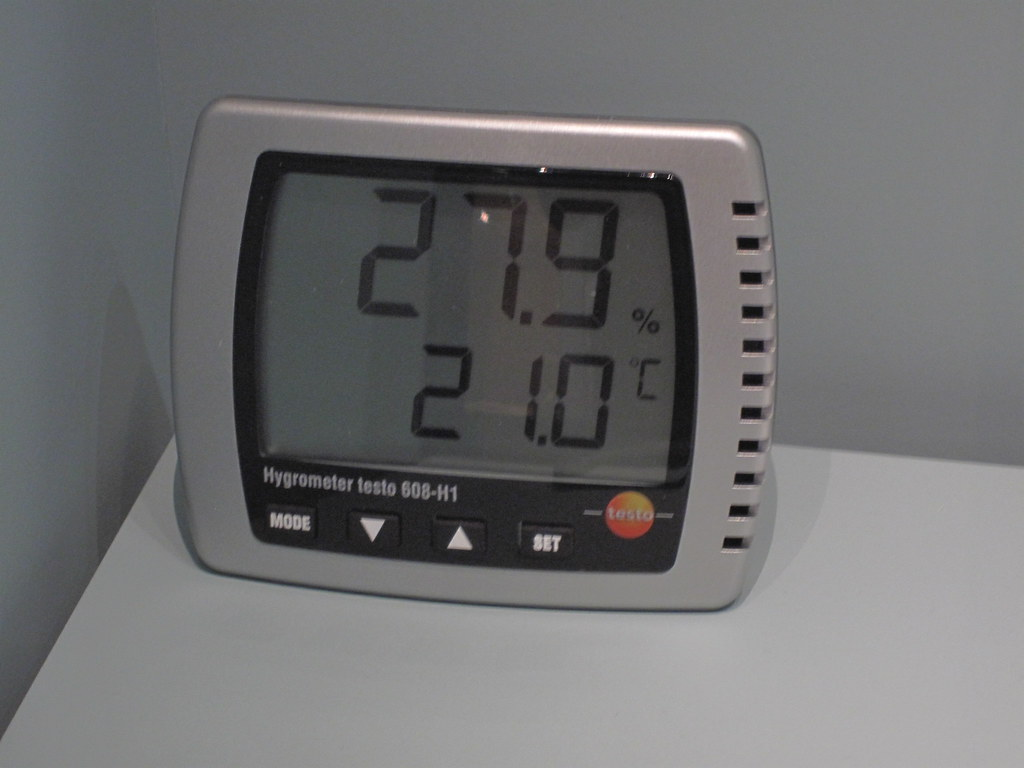 Difference Between Humidity and Temperature