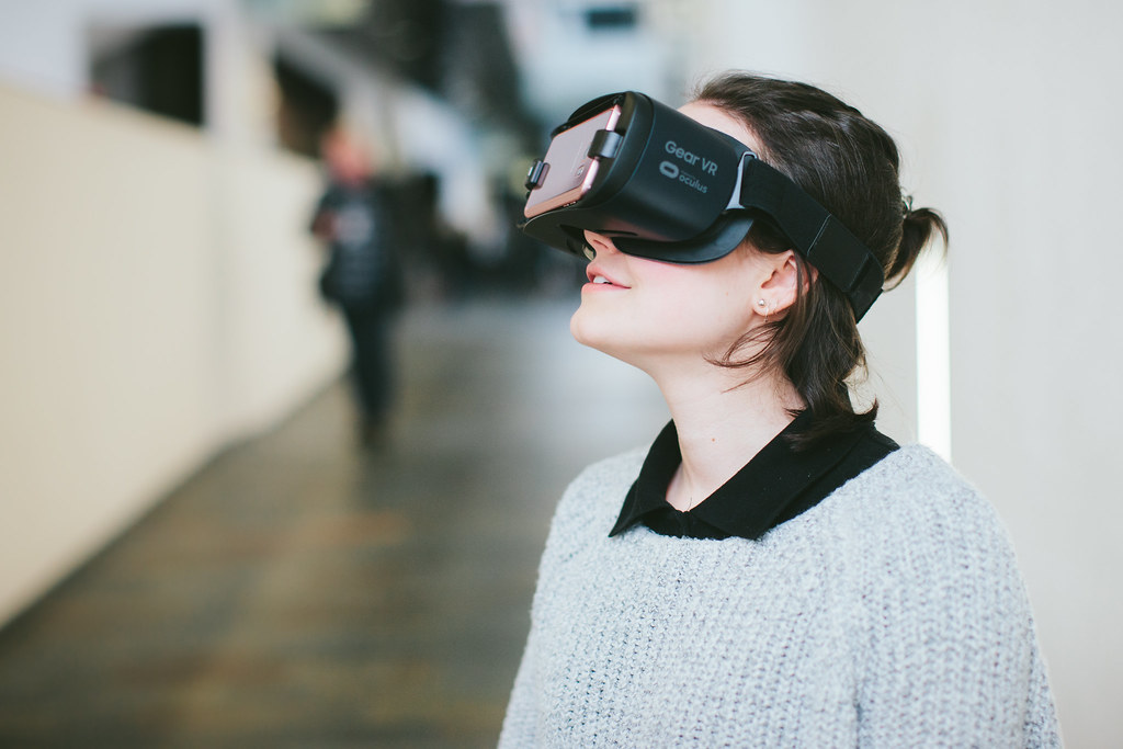 Difference Between Virtual Reality and Mixed Reality